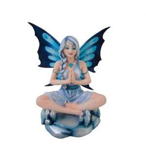 Figura de hada meditando